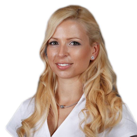 Dr. Balogh Dóra