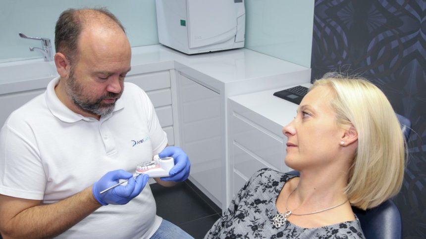Hiányzó fogak implantációs pótlása